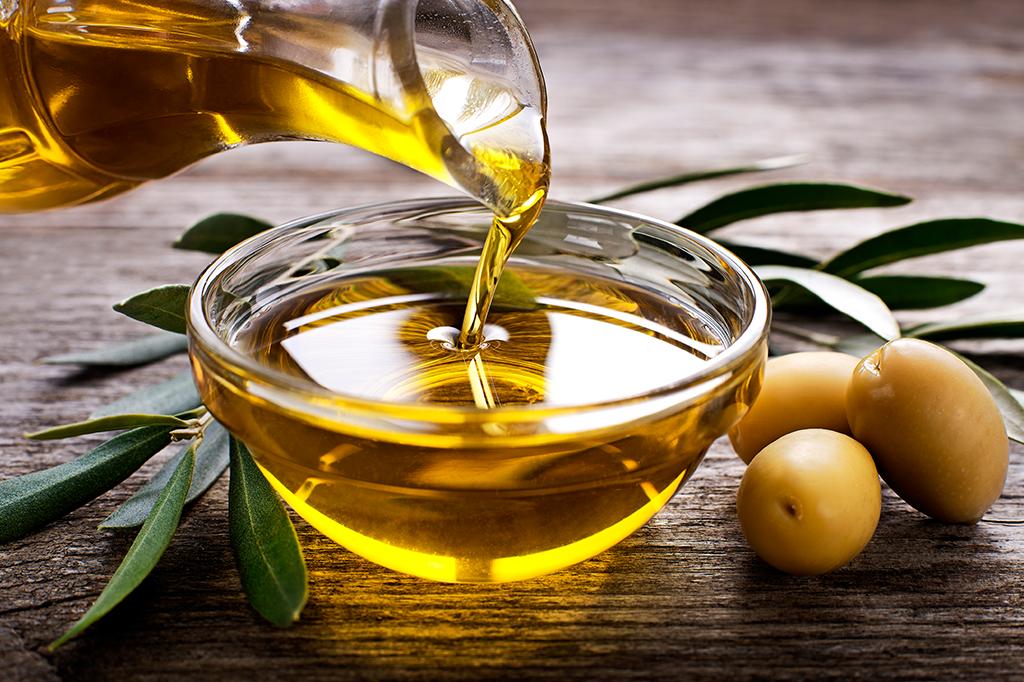 <strong>O azeite de oliva é um dos pilares da chamada dieta mediterrânea, considerada muito saudável.</strong>