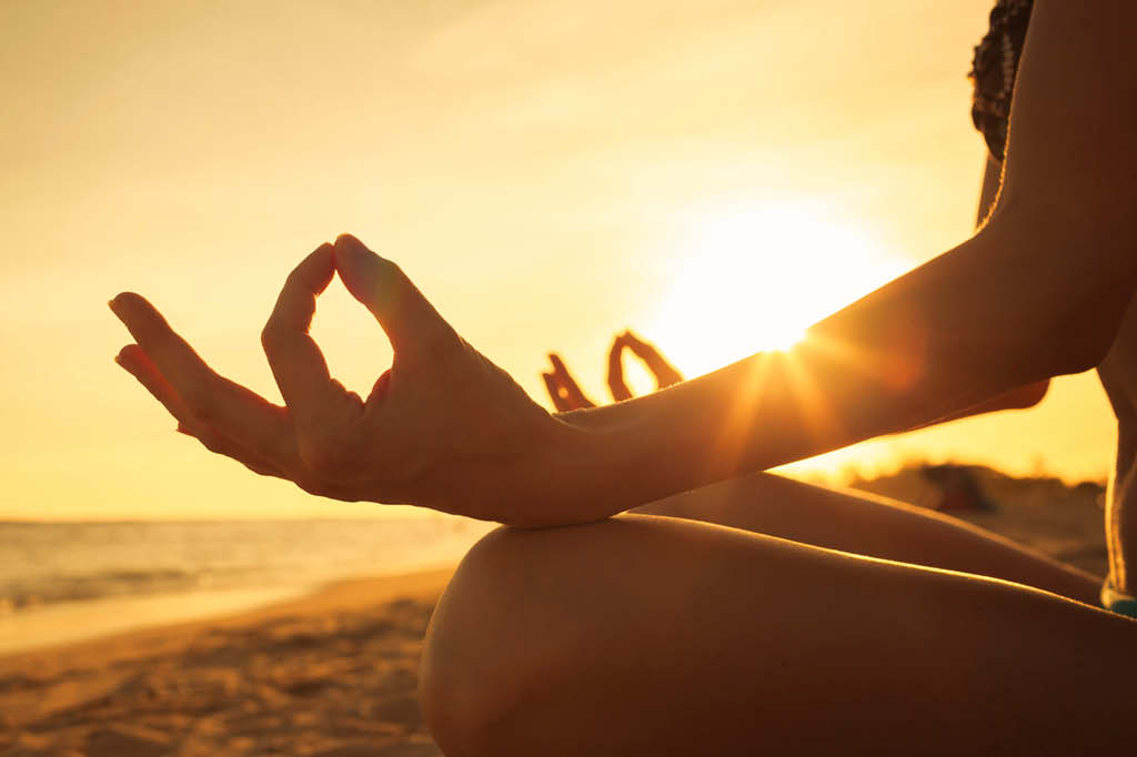 Meditar: Nada mais é que ficar concentrado e limpar a mente, parar de pensar