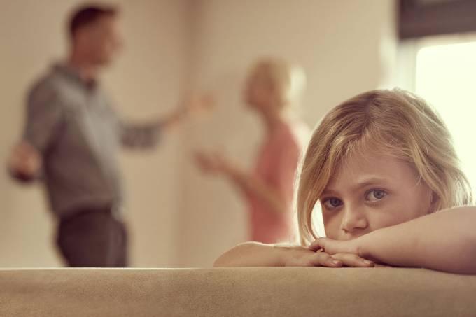 Não adianta disfarçar: crianças percebem quando pais discutem