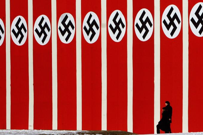 Como a suástica virou a marca do nazismo?