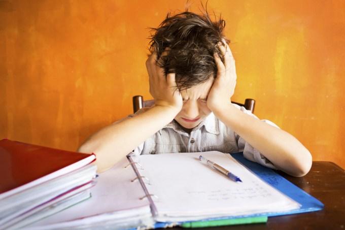 Expectativa alta dos pais piora as notas dos filhos
