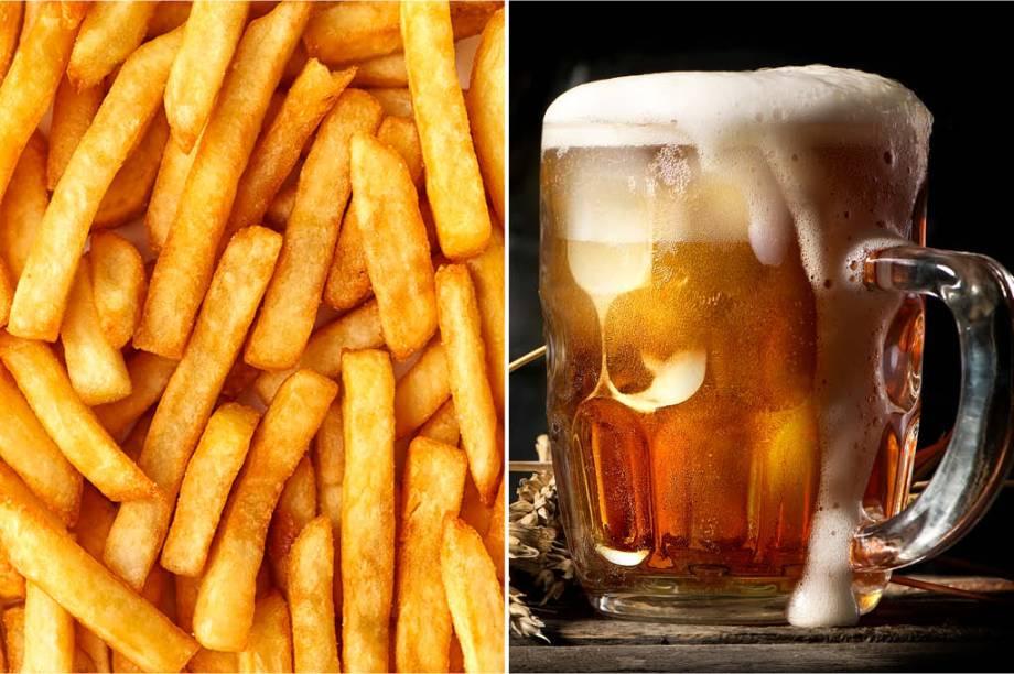 <strong>QUINTA-FEIRA:</strong> 500 cal (1/2 porção de batata frita) + 540 cal (3 copos de chope) = 1040 cal