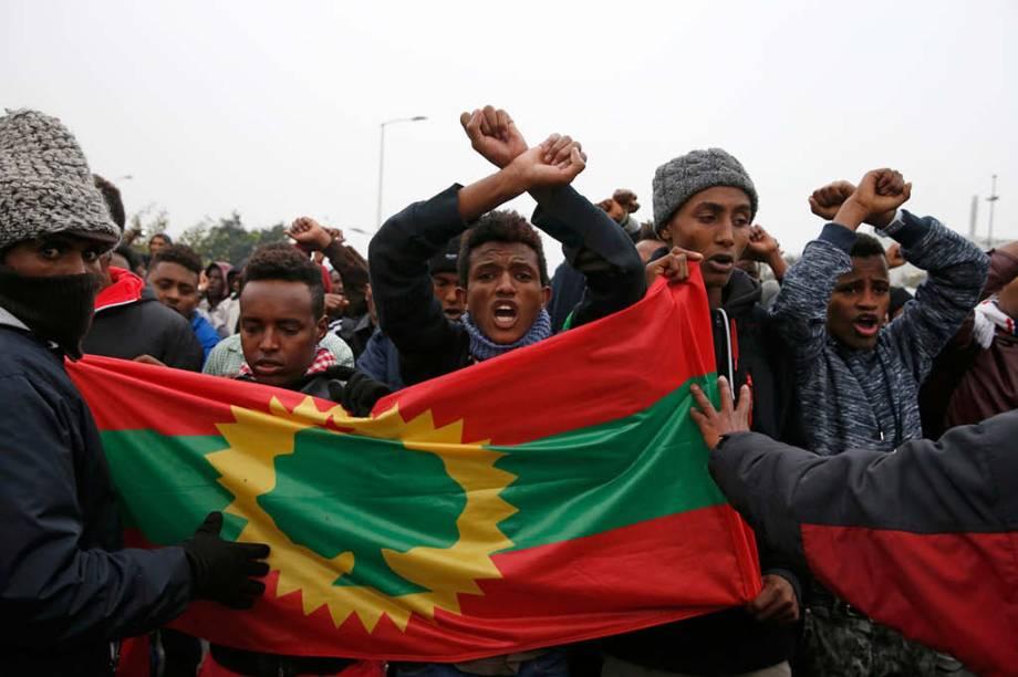 Refugiados etíopes do grupo Oromo reagem contra as autoridades francesas
