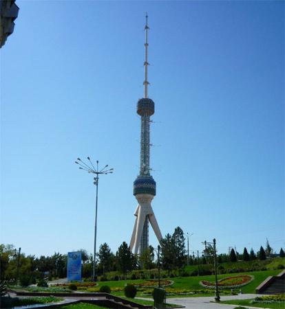 12. Tahskent Tower. Inaugurada em 1991 em Tashkent, no Uzbequistão. Sua altura é de 375 metros.