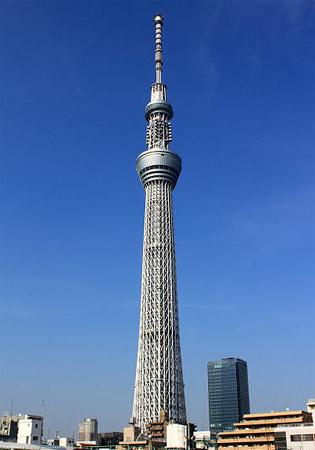 1. Tokyo Sky Tree. Ela acaba de ser inaugurada em Tóquio, no Japão. Tem 634 metros e é a nova torre mais alta do mundo, superando em 34 metros a antiga detentora do título.