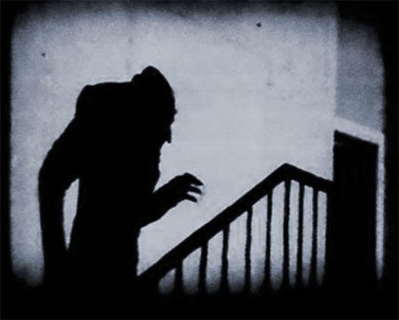 <i>Nosferatu (1922)</i>