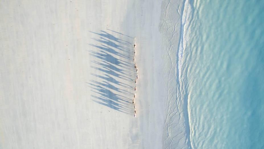 A foto acima foi registrada na cidade de Broome, nas Austrália. Todd Kennedyfez a foto e levou o segundo lugar.