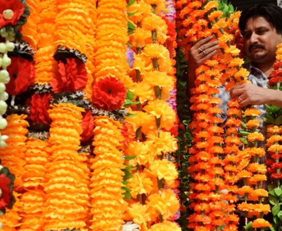 Muitos comerciantes aproveitam o Diwali para vender artesanato nas ruas das cidades.