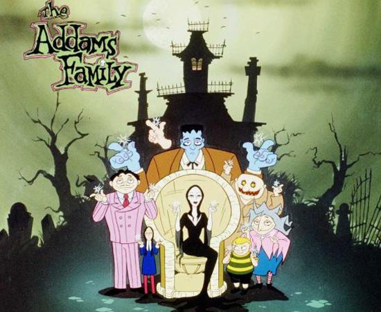 A Família Addams (1973) você já conhece: é um desenho sobre uma família que adora coisas bizarras.
