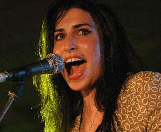 Amy Winehouse morreu no dia 23 de julho de 2011, aos 27 anos de idade. O corpo foi encontrado na casa em que ela morava, em Candem, na Inglaterra. Como as causas da morte não foram descobertas em primeira instância, um teste toxicológico foi encomendado. De acordo com o resultado do exame, Amy faleceu porque teria ingerido uma quantidade abusiva de álcool. Segundo familiares, antes do episódio, a cantora estava se abstendo de bebidas alcoólicas.