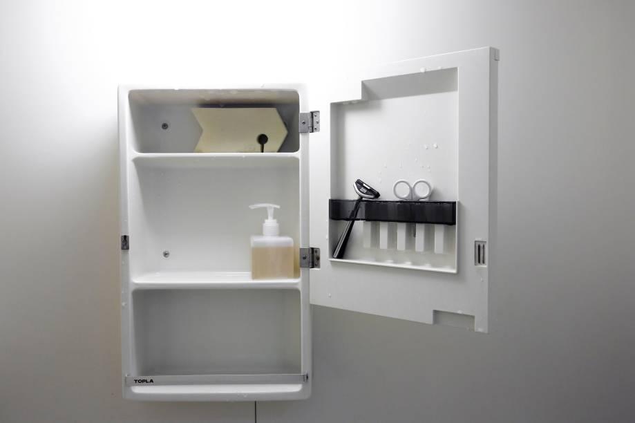 Morador de Tóquio,Fumio Sasakié adepto do minimalismo - e esse é o armário de seu banheiro.