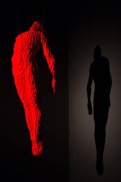 <em>Ascension</em>(ascenção) é um caso curioso: Nathan pensou a escultura como uma representação da liberdade, para uma exposição em Nova York, em 2010. Mas rapidamente as pessoas começaram a vê-la como uma figura religiosa e espiritual - o que, inclusive, fez com que o dono da galeria não a comprasse com medo de que ela parecesse favorecer alguma religião.