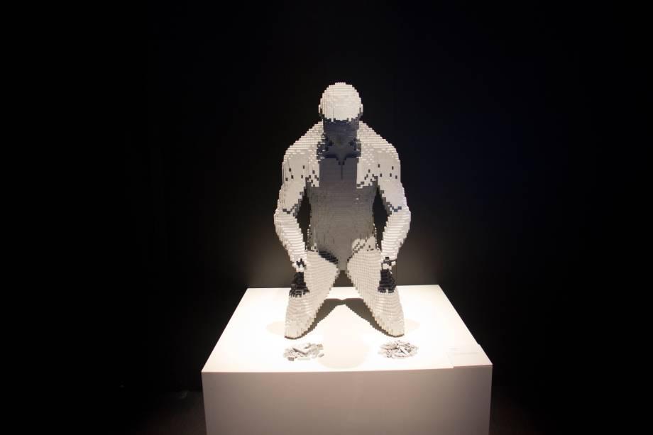 A escultura <em>Hands</em>(mãos) é o pior pesadelo de Nathan: suas mãos ficarem inúteis. Logo depois de sua primeira exposição, surgiu a oportunidade de fazer uma mostra solo em Hollywood, masNathan ficou com tanto medo de não conseguir criar algo incrível que fez uma escultura com seu próprio temor.
