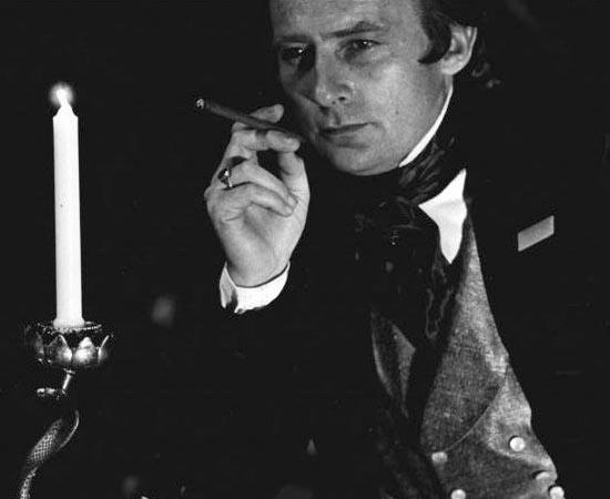 Auguste Dupin é um personagem criado pelo escritor Edgar Allan Poe. Ele é um detetive amador que mora com um amigo em Paris.