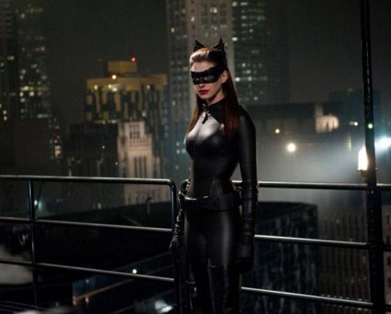 4. Dê uma chance a Anne Hathaway - Aí Anne Hathaway entra em cena e, cinco minutos depois, você já não terá mais nenhuma dúvida sobre a escalação.