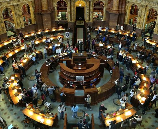 BIBLIOTECA DO CONGRESSO - É a instituição cultural mais antiga dos Estados Unidos. Possui mais de 140 milhões de itens. Está localizada no Distrito de Columbia.