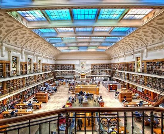 BIBLIOTECA ESTADUAL DE NEW SOUTH WALES - É o acervo público mais antigo da Austrália. Foi fundada em 1826 e tem mais de 5 milhões de volumes.