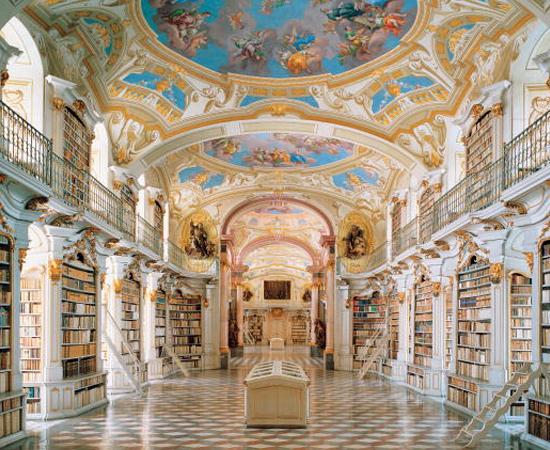 BIBLIOTECA DO MOSTEIRO BENEDITINO DE ADMONT - Construída no século 18, é a maior biblioteca monástica do mundo, com mais de 70 mil volumes e 1400 manuscritos. Está localizada na região central da Áustria.