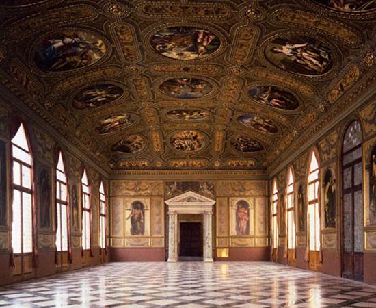 BIBLIOTECA NACIONAL MARCIANA - Não, não fica em outro planeta. Esta é a principal biblioteca de Veneza, na Itália. Foi dedicada ao padroeiro da cidade, São Marcos. É conhecida por abrigar mais de 13 mil manuscritos!