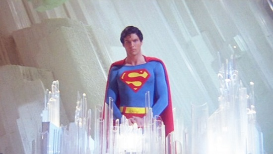 Uma biblioteca que oferece conteúdo para ninguém menos que o Superman. É a Fortaleza da Solidão, uma espécie de quartel-general do herói. Nos filmes, o lugar fica em algum canto do ártico. Lá fica guardado todo o conhecimento de Krypton, o planeta original do Clark Kent.