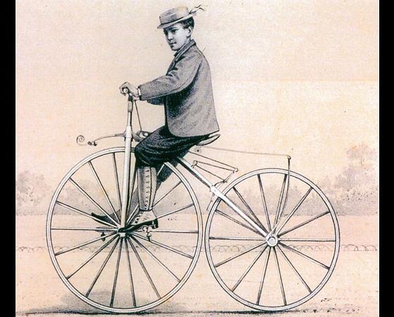 Década de 1860 - VELOCÍPEDES: O francês Pierre Lallement aumenta a roda dianteira, para deixar a pedalada mais leve. Pierre Michaux cria a primeira fábrica. Em 1867, surgem rodas com aro de aço, freios e tração traseira por corrente.
