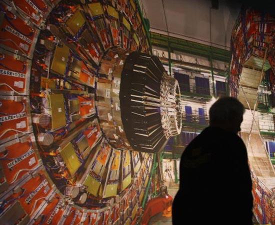BÓSON DE HIGGS - Em julho, pesquisadores do Centro Europeu de Pesquisa Nuclear (CERN) descobriram o que pode ser a Partícula de Deus.