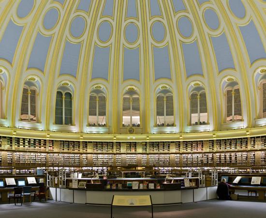 SALA DE LEITURAS DO MUSEU BRITÂNICO - Desde 1857, era a sala central da Biblioteca Britânica. No entanto, em 1997, a Biblioteca Britânica passou a funcionar em outro lugar. Apesar da mudança, a sala de leituras continua funcionando. Vários famosos utilizaram seus serviços, como Karl Marx, Oscar Wilde, Bram Stoker e Mahatma Gandhi.