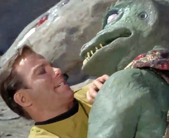 'Eu acho que tenho uma instintiva aversão a répteis.' - Capitão Kirk