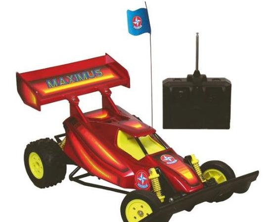 CARRINHO DE CONTROLE REMOTO - Era um brinquedo tecnológico desejado por todas as crianças. Mas os pais achavam muito caro, ou simplesmente não gostavam da ideia de um carrinho fazendo barulho o dia todo.