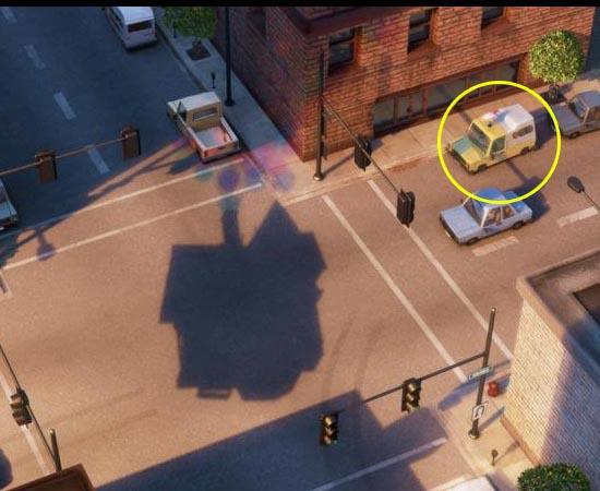 Em Up (2009), também é possível encontrar o carro da Pizza Planet. Ele é mostrado quando a casa do Carl está flutuando.