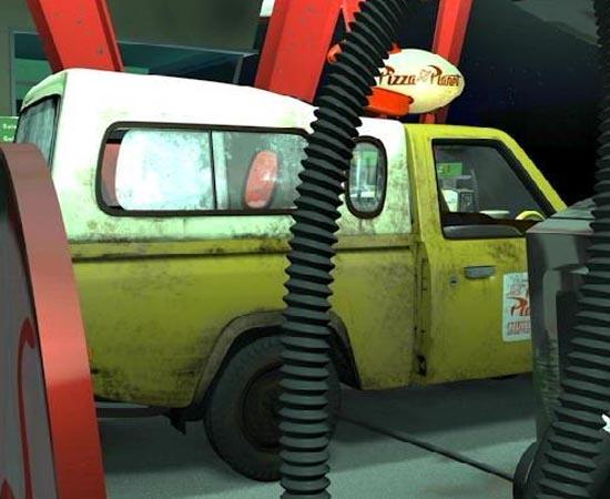 As animações da Pixar estão cheias de referências a outros filmes da empresa. E a internet está cheia de listas que reúnem estas surpresas. Os Easter Eggs, como são conhecidos, podem ter inspiração em produções anteriores ou até mostrar spoilers sobre os filmes que serão lançados em breve. Já reparou nesta caminhonete da Pizza Planet, por exemplo? O veículo, original de Toy Story, aparece em quase todos os filmes da Pixar!