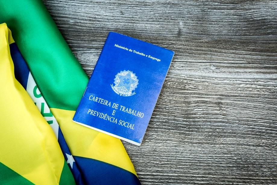 O Brasil é um dos países mais elogiados pelo relatório. De acordo com o levantamento, a nação tem 0,07% da população sendo escravizada -são 161 mil pessoas. O país fica em 52º lugar no ranking (a segunda melhor posição posível).O que o estudo ressaltaé que a legislação brasileira é rigorosa contra esse tipo de ação, o que deve fazer com que os números sejam cada vez melhores.