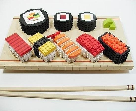 Que tal um almoço oriental feito com peças de Lego.