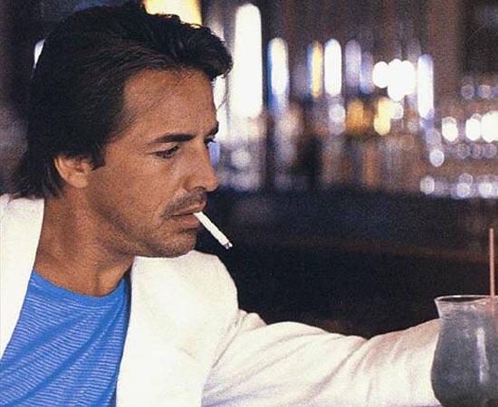 James Sonny Crockett é um personagem da série / filme Miami Vice. Sua primeira aparição é no piloto de 1984, quando investiga um grande traficante colombiano e começa a trabalhar no Departamento de Polícia da cidade.