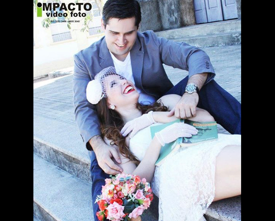 O casal Denise e Thiago, de Goiânia, provou que não desgruda dos livros!