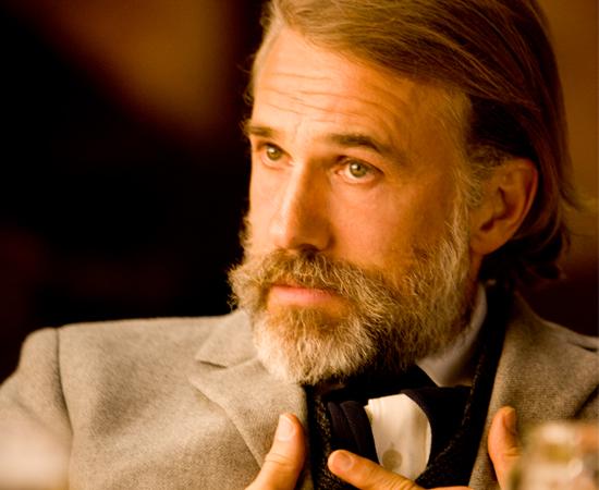 O caçador de recompensas é alemão, dr. King Schultz (o vencedor do Oscar, Christoph Waltz). Schultz está no encalço dos sanguinários irmãos Brittle, e Django é o único que pode levá-lo à sua recompensa.
