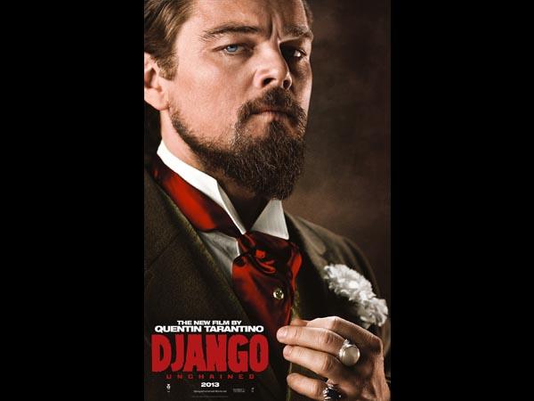 Leonardo DiCaprio interpreta Calvin Candie, um implacável fazendeiro que escraviza a esposa de Django. Clique em Leia Mais para ver a imagem em tamanho maior.