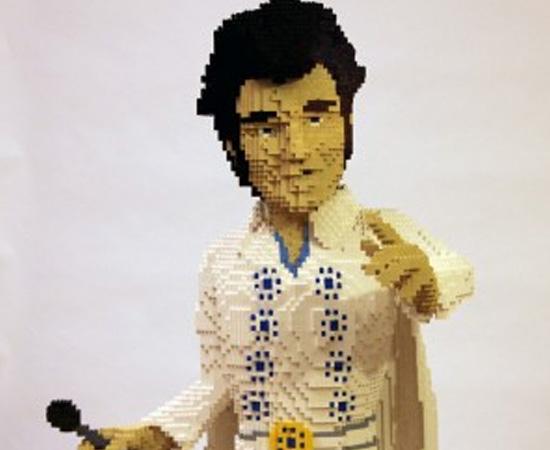 Elvis Presley também foi reproduzido com peças de Lego.