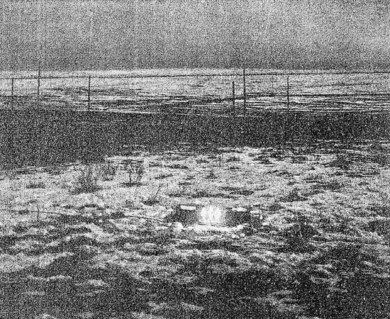 COLORADO SPRINGS - Em 1899, Nikola Tesla criou um laboratório de pesquisa em Colorado Springs. Na cidade, ele investigou a transmissão de dados pela atmosfera, por meio de um telégrafo sem fio; provou que a Terra pode conduzir energia e produziu raios artificiais. O cientista também investigou a eletricidade atmosférica e, certa vez, afirmou ter recebido sinais de comunicação extraterrestre que, segundo ele, provavelmente foram emitidos de Vênus ou Marte.