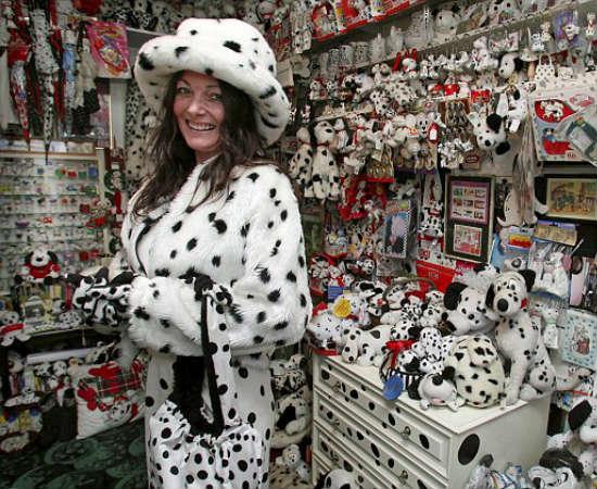 O sobrenome de Karen Ferrier até lembra a raça Terrier, mas é por outro tipo de cão que a britânica é apaixonada. Mais precisamente: dálmatas.