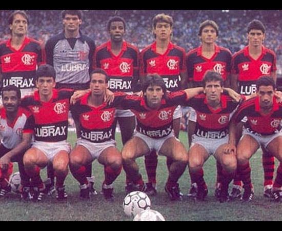 Houve dois campeonatos nacionais, mas só a Copa União era o verdadeiro, segundo a PLACAR. Quem levou foi o Flamengo, com gol na final da sensação Bebeto, pai da modelo Stephannie Oliveira.