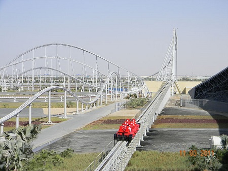 Inaugurada em 2010, a Formula Rossa é a montanha-russa da Ferrari. Como não poderia deixar de ser, a velocidade é o ponto forte - quem encara essa aventura enfrenta uma velocidade máxima de 240 km/h. A Formula Rossa, fica em Abu Dhabi, nos Emirados Árabes Unidos.
