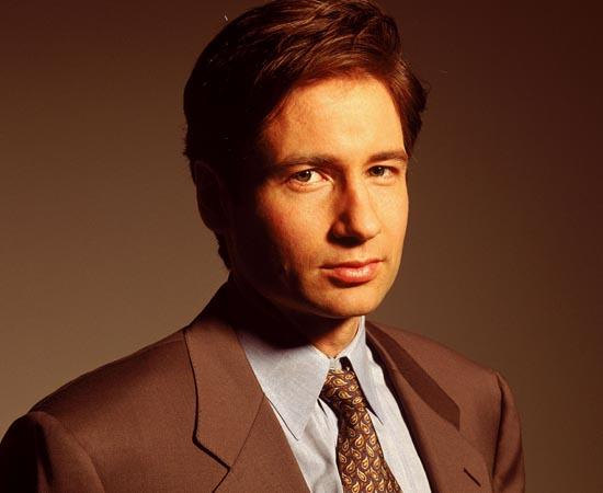 Fox Mulder é um dos protagonistas da série de TV Arquivo X. Ele trabalha para o FBI, investigando casos paranormais.