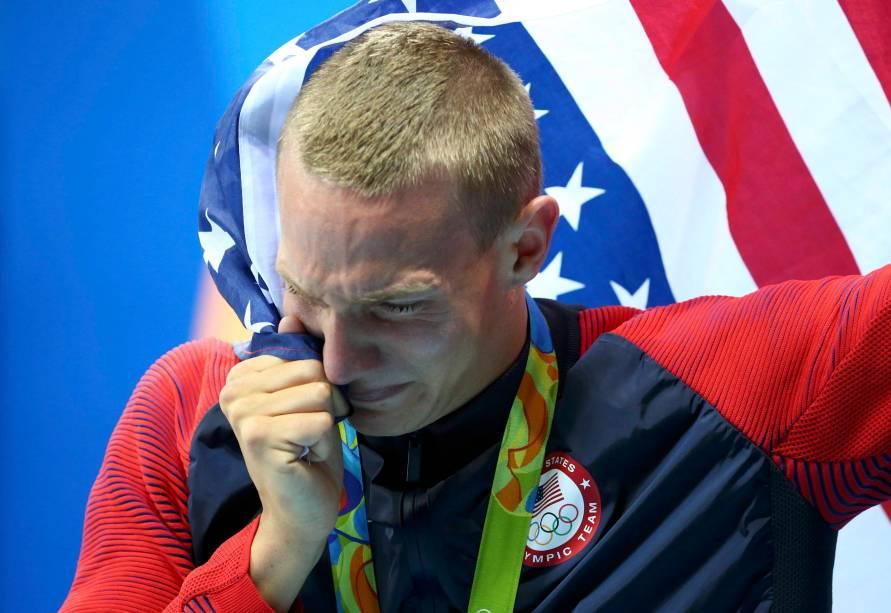 Nathan Adrian, dos Estados Unidos, tem motivos de sobra para estar orgulhoso: foi por um triz que ele se classificou para a semifinal dos 100 metros livres - ficou em 16º de 16 competidores -, mas na semifinal, no domingo (7), conseguiu conquistar o ouro, com um tempo de 47.83 segundos.