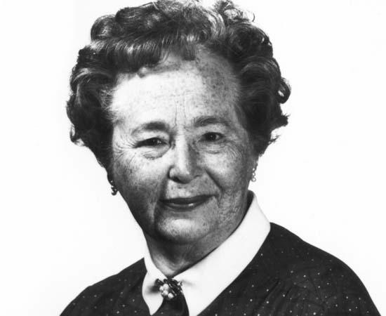 Gertrude Elion (1918 - 1999) - Bioquímica e farmacêutica britânica que recebeu o Prêmio Nobel de Fisiologia/ Medicina de 1988 pela criação de novos medicamentos.