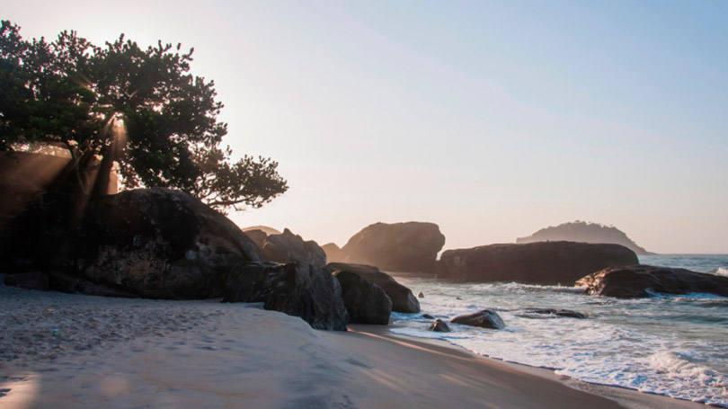 9 - Praia do Grumari