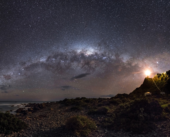 O vencedor da categoria Terra e Espaço foi o australiano Mark Gee, que também foi eleito o Fotógrafo de Astronomia do Ano.
