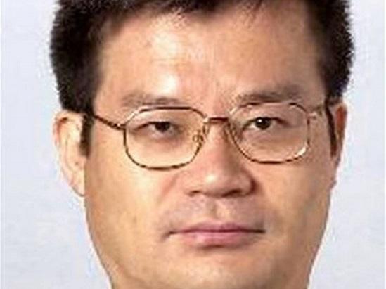 Ele dividiu o prêmio com outros dois cientistas, também japoneses, entre eles Hiroshi Amano.