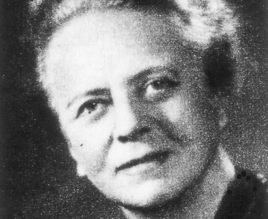 Ida Noddack (1896 - 1978) - Química alemã que teve importante papel na descoberta do elemento Rênio. Foi a primeira cientista a propor a ideia de fissão nuclear.