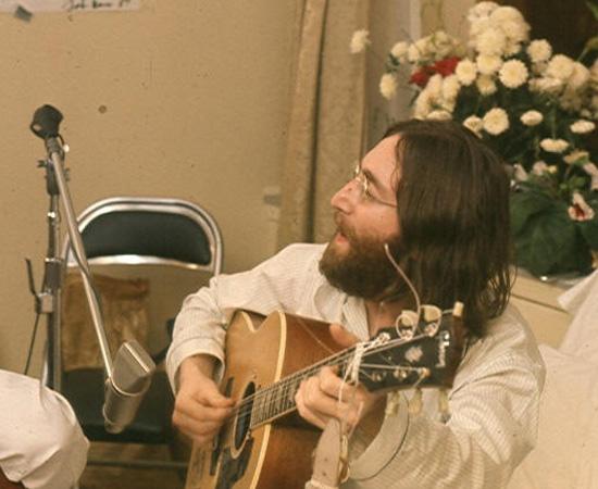 No dia 8 de dezembro de 1980, John Lennon estava com Yoko Ono na entrada do prédio em que moravam, em Nova Iorque, quando foi atingido por quatro tiros nas costas. O assassino foi identificado como Mark Chapman, um fã que teria planejado e executado o crime. No entanto, existe uma teoria propagada pelo jornalista Fenton Bresler, que afirma que os verdadeiros mandantes do homicídio foram a CIA, o FBI e membros da extrema-direita dos Estados Unidos.
